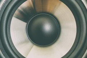 sonido de los altavoces proyectores